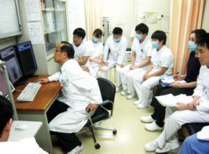 整形外科のカンファレンス